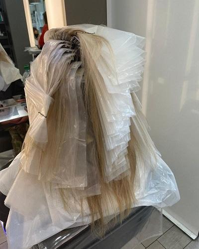 Clipmeche-Highlighting-System-for-Hairdressers-at-Cheynes-Hairdressing-Edinburgh