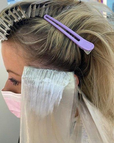Clipmeche-Highlighting-System-at-Cheynes-Hairdressers-Edinburgh